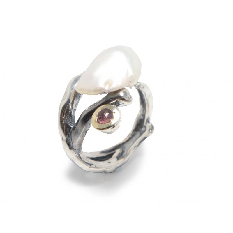 Anillo plata ennegrecida, oro, perla y turmalina