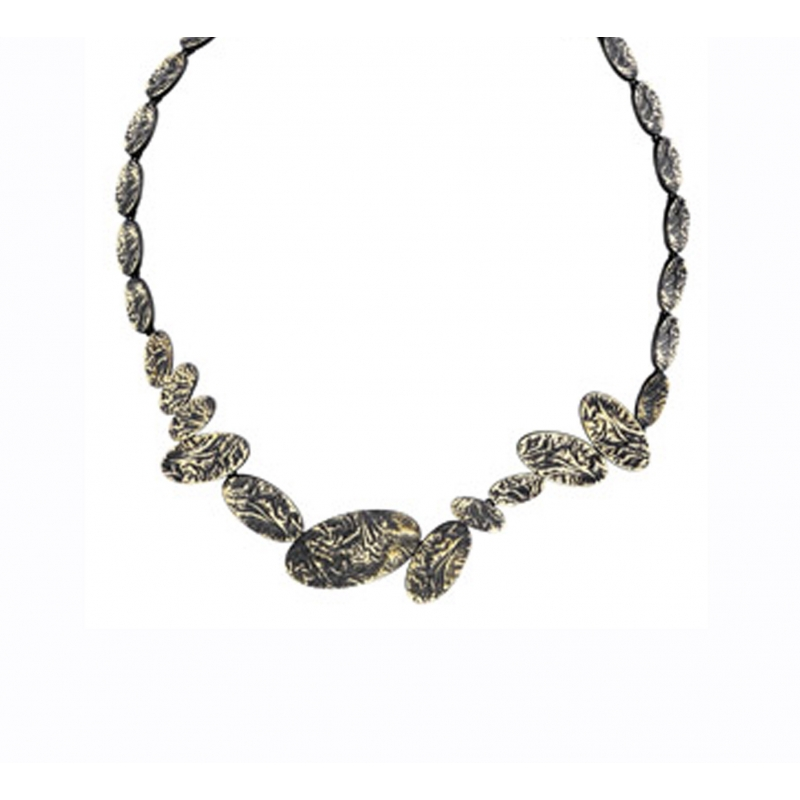 Collar metall amb bany d'or ennegrit