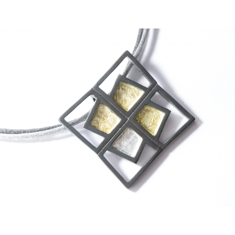 Penjoll plata ennegrida i pigmento