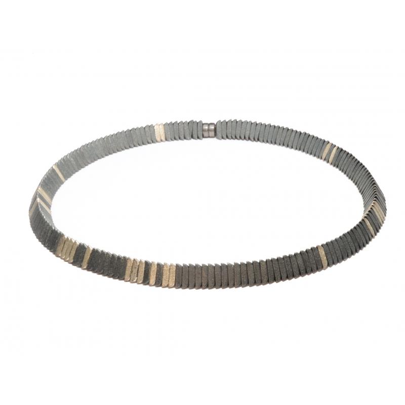 Collar de plata y plata ennegrecida