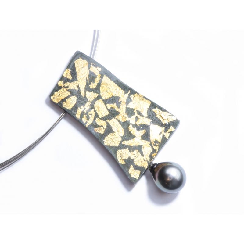 Penjoll plata ennegrida, or i perla