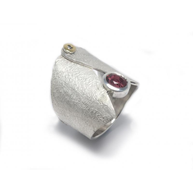 Anell plata , or, granat i diamant